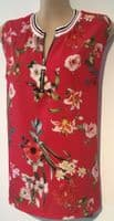 KATE & PIPPA RED FLORAL PRINT ZIP VEST TOP BNWT SIZE L 16-18